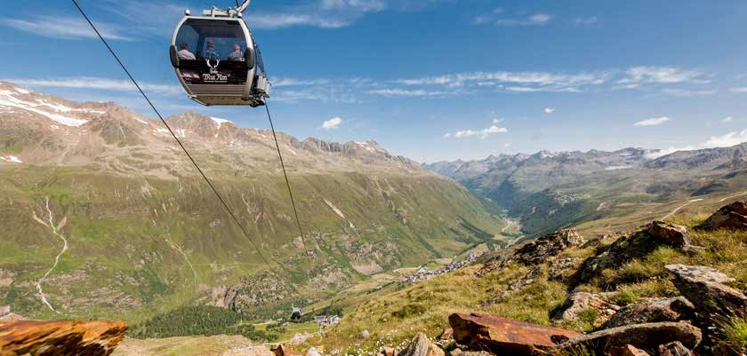 austria_obergurgl-summer_valley-view-chair-lift.jpg